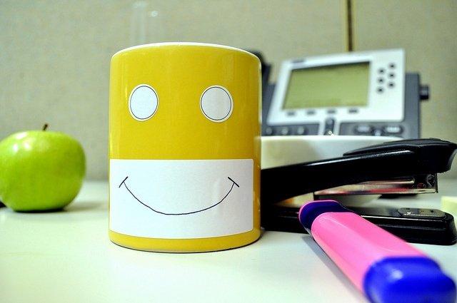 Top 5 things that make people happy at work-1.jpg